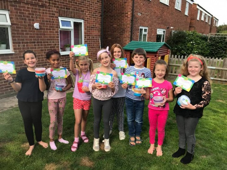 <p>Splat Slime Workshops &amp; Parties</p>